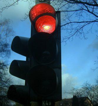 multa saltarme semaforo rojo